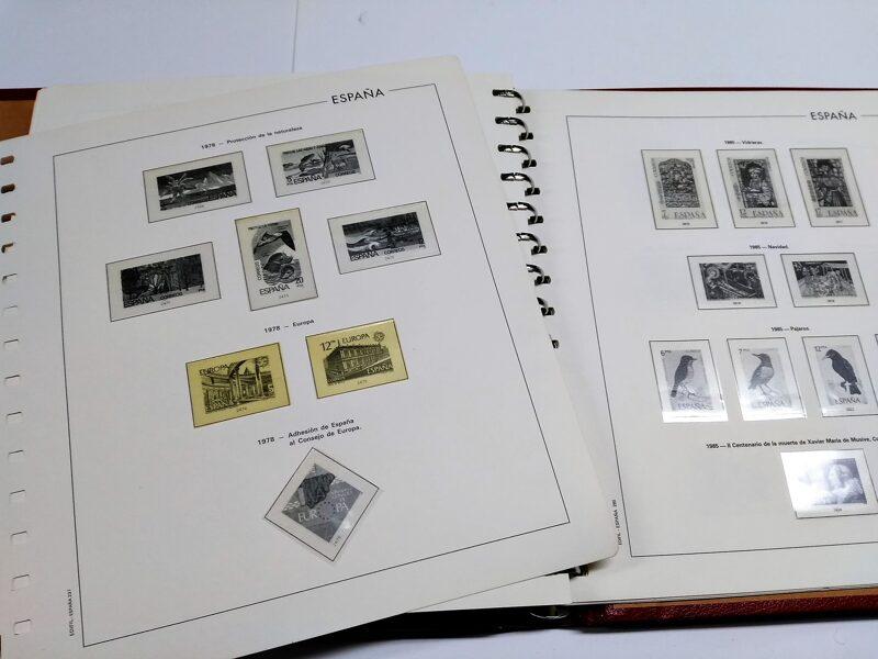 EDIFIL años 1976 a 1985 (sin 1982) montado con estuches transparentes / Ref. 243