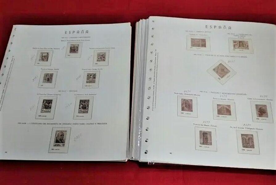 """OLEGARIO años 1980 a 1988 """"Textos en Catalán"""" montado con estuches transparentes / Ref. 214"""